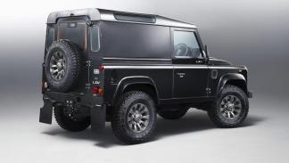 Land Rover Defender - 2