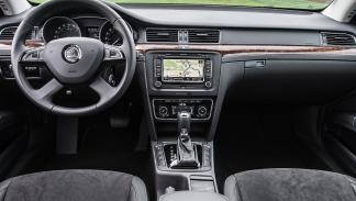 Škoda Superb Combi 2015 2.0 TDI 150CV Active - 3