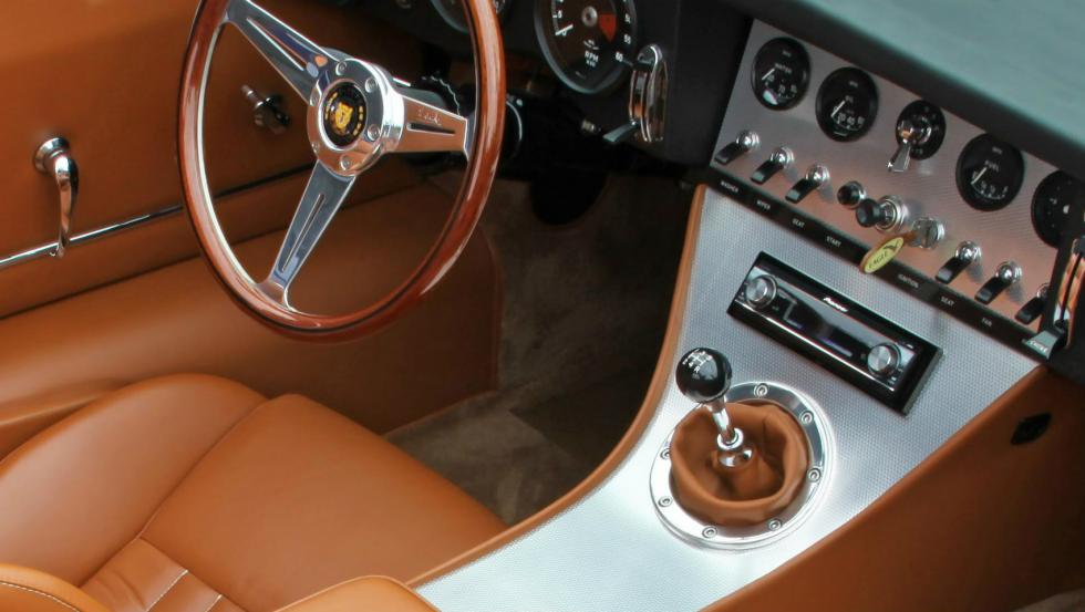 Eagle Spyder GT interior
