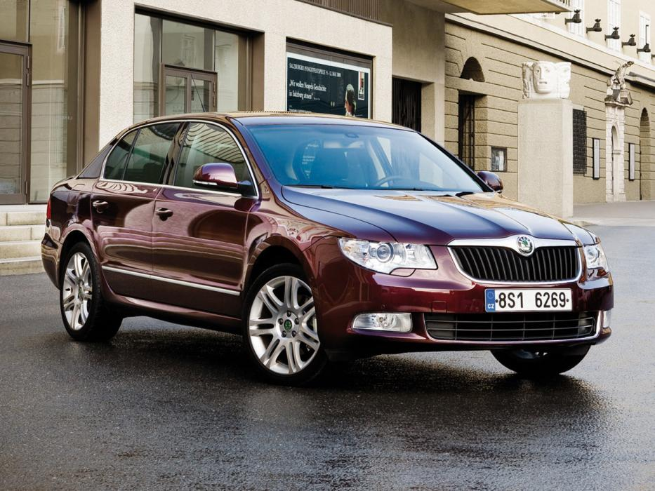 Škoda Superb Berlina 2008 2.0 TDI 170 CV Elegance - 0