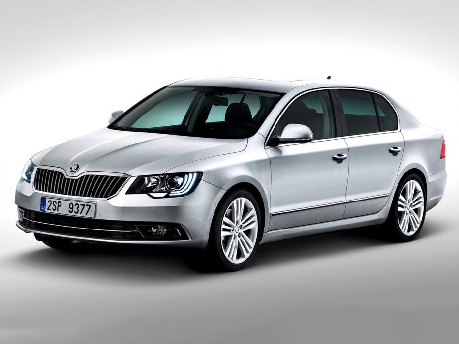 Škoda Superb Berlina 2015 1.6 TDI 120CV DSG Ambition - 0