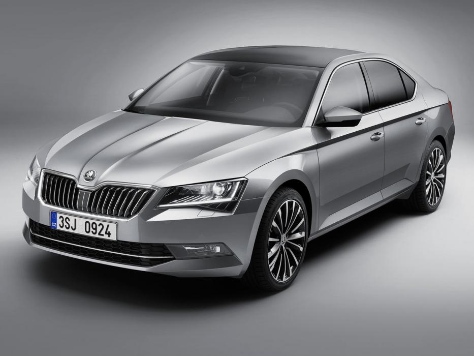 Škoda Superb Berlina 2017 - 0